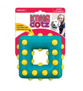 KONG игрушка для собак Dotz квадрат малый 9 см